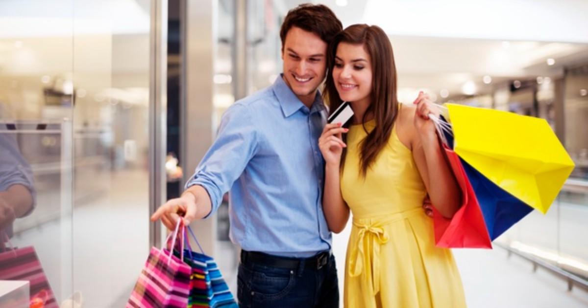 ¿Cómo la arquitectura comercial ayuda a configurar la experiencia de compra de un cliente?